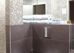 Garni Hotel Aveny - Čačak - Bathroom