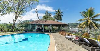 Thilanka Hotel - Kandy - Pool