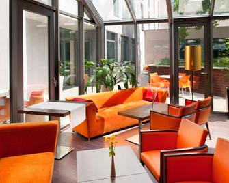 Holiday Inn Trnava - Trnava - Lounge
