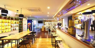 Ease Hostel - Guilin - Bar