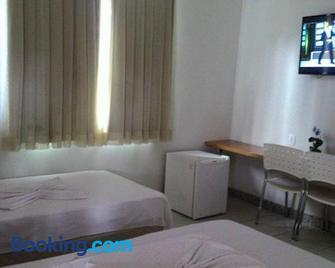 Hotel Pinheiros - Governador Valadares - Slaapkamer