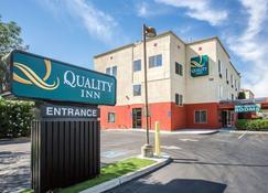 Quality Inn Merced Gateway to Yosemite - Merced - Rakennus