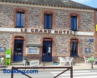Grand Hotel - Bruz - Gebäude