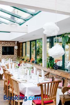 Landhaus Café Restaurant & Hotel - Wolfratshausen - Banquet hall