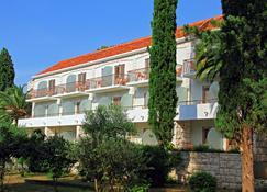 Bluesun Resort Velaris - Supetar - Building