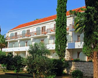 Bluesun Velaris resort - Supetar - Gebäude