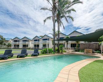 Boathouse Resort Studios & Suites - Rye - Pool