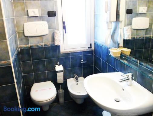 New Bristol Sport & Domus Mea Hotel - Cesenatico - Bathroom