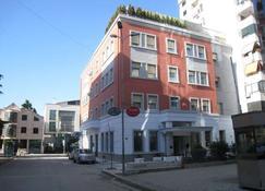Kotoni - Tirana - Building