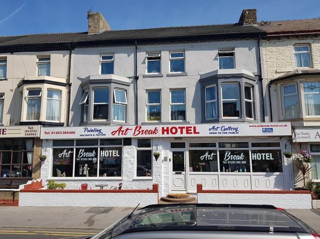 Art Break Hotel - Blackpool - Building