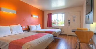 Motel 6 San Diego Chula Vista - Chula Vista - Bedroom