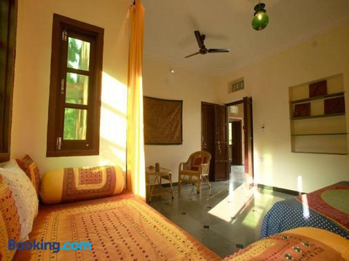 Krishna Ranch - Udaipur - Living room