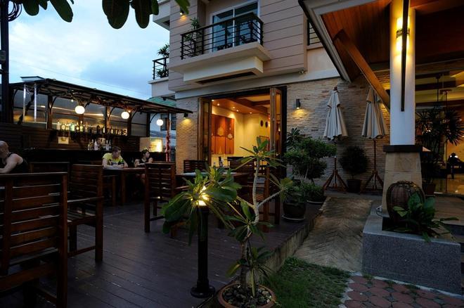 Baramee Resortel - Πατόνγκ - Bar