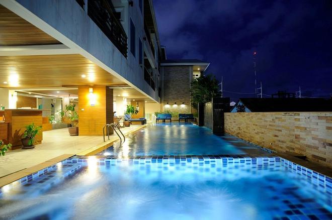 Baramee Resortel - Πατόνγκ - Πισίνα