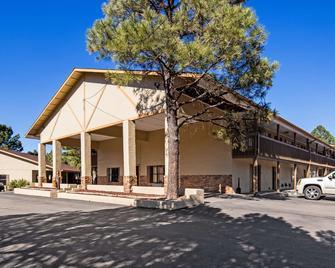 Best Western Pine Springs Inn - Ruidoso Downs - Building