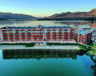 Holiday Inn Hotel & Suites Osoyoos, An Ihg Hotel - Osoyoos - Building