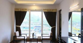 Jays Inn - Munnar - Living room