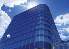 Fantasyland Hotel - Edmonton - Building