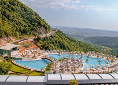 Select Hill Resort - Tirana - Pool
