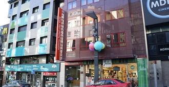 سوميرو هوتل سيتي إم28 - أندورا لا فيلا - مبنى