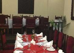 New Ambassador Hotel - Harare - Restaurante
