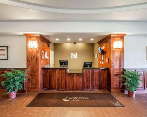 勞頓斯利普套房酒店 - 洛頓 - Lawton - 櫃檯