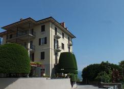 Hotel Brisino - סטרסה - בניין