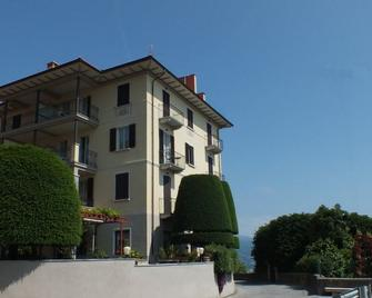 Hotel Brisino - Стреса - Здание