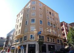 Hospedaje Magallanes - Santander - Building
