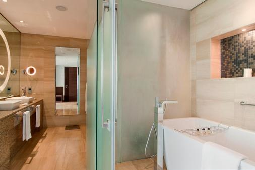 Fairmont Bab Al Bahr - Abu Dhabi - Abu Dhabi - Phòng tắm