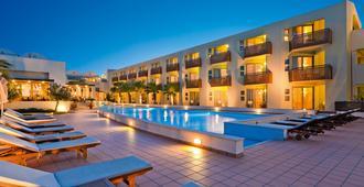 Santa Marina Plaza - Agia Marina - Πισίνα