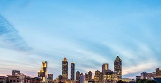 Super 8 by Wyndham Atlanta Northeast GA - Atlanta - Cảnh ngoài trời