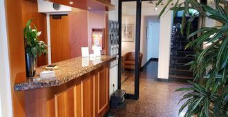 City Hotel Stuttgart - Stuttgart - Front desk