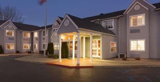 Microtel Inn by Wyndham Albany Airport - Latham