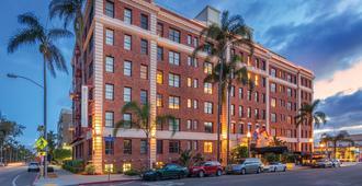 Inn At The Park - San Diego - Building