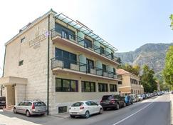 Porto In Hotel - Kotor - Edificio