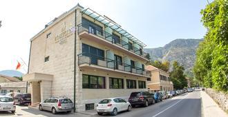 Porto In Hotel - Kotor