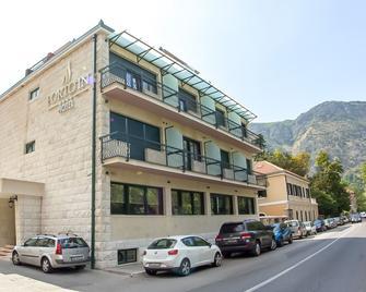 Porto In Hotel - Kotor - Building