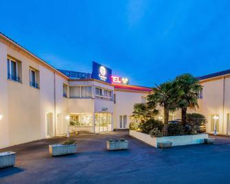 Comfort Hotel Saintes - Saintes - Building