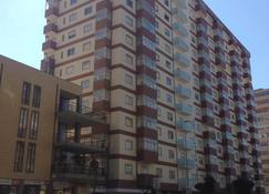Vasco da Gama - Póvoa de Varzim - Building