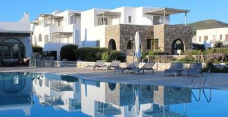 Saint Andrea Resort Hotel - Πάρος - Πισίνα