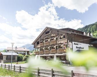 Hotel Bergland - Cadipietra/Steinhaus - Building
