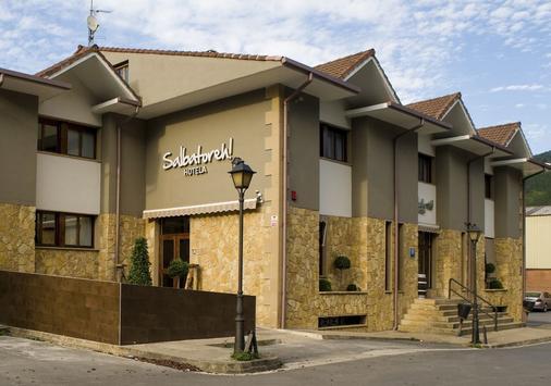 Hotel Salbatoreh - Beasain - Building