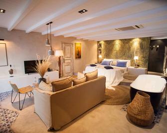 Evilion Sea And Sun - Neoi Poroi - Bedroom