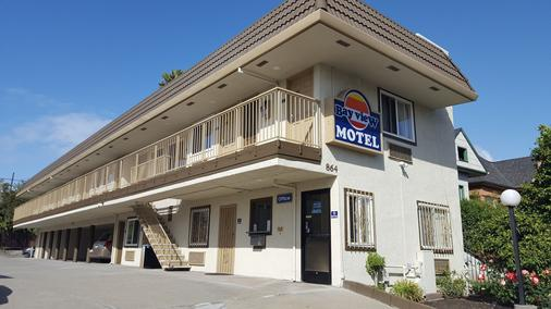Bayview Motel - Oakland - Building
