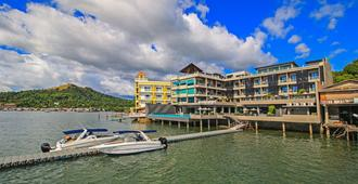Two Seasons Coron Bayside Hotel - Coron - Edificio