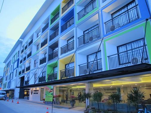 Suvarnabhumi Oriental Resort - Bangkok - Building