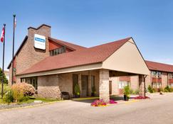 Travelodge by Wyndham North Bay - North Bay - Building