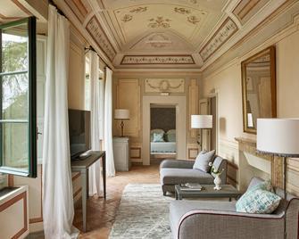 Como Castello Del Nero - Tavarnelle Val di Pesa - Wohnzimmer
