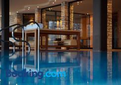 Royal Casino Spa & Hotel Resort - Riga - Pool